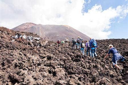 Visit & climb the Etna volcano: all info + tips (and tours)
