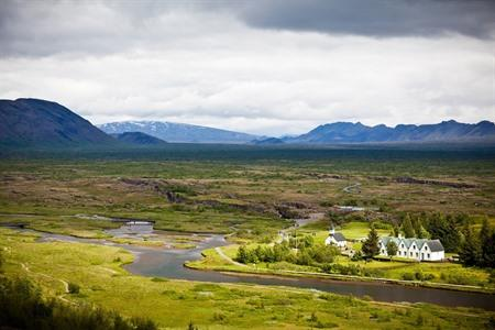 Visiting Thingvellir National Park + snorkeling in the Silfra gorge? Info & tips